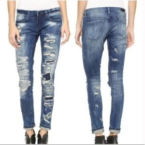 Blank NYC Barefoot & Busted Destruct Skinny Jeans